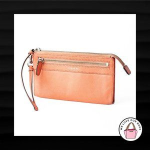 $108 COACH LEGACY ZIPPY SALMON LEATHER WRISTLET